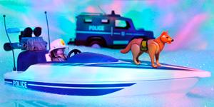 Машина полиции и катер.  Новые видео для детей.  Распаковка игрушек для мальчиков.